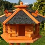 Vogelhaus mit Bitumschindeln, Die Wetterfeste Futterstation
